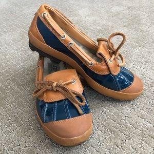 UGG Duck shoe slip on flats Size 6